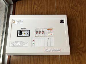 名古屋市中村区にて感震ブレーカー取付にかかる分電盤の更新および電気メーター取替電気工事