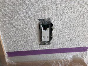 愛知県あま市にてコンセント取替電気工事
