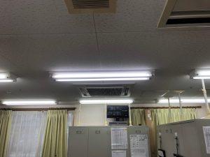 名古屋市西区の介護施設にて蛍光灯安定器の取替電気工事
