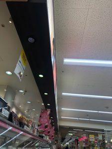 三重県桑名市の小売店にてLED照明器具へ取替電気