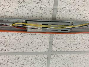 名古屋市中川区の商業施設にて安定器の取替電気工事