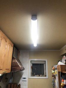 名古屋市緑区の戸建住宅にてインターホンとキッチン照明の取替電気工事