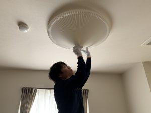 名古屋市緑区の集合住宅にてシーリングライトの取付電気工事